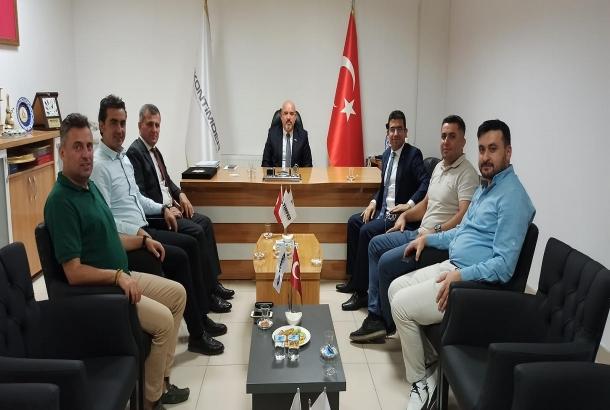 Konya Vergi Dairesi Başkanı Adem Güngör ve Grup Müdürü Bezhat Er, KONTİMDER Yönetim Kurulu Başkanlığına seçilen Gökhan Küçük ve yönetim kurulu üyelerine hayırlı olsun ziyaretine geldi.