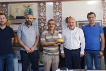 Dernek üyemiz Tuncay Özkan-Nevzat Çeroğlu iş yerinde ziyaret edildi.